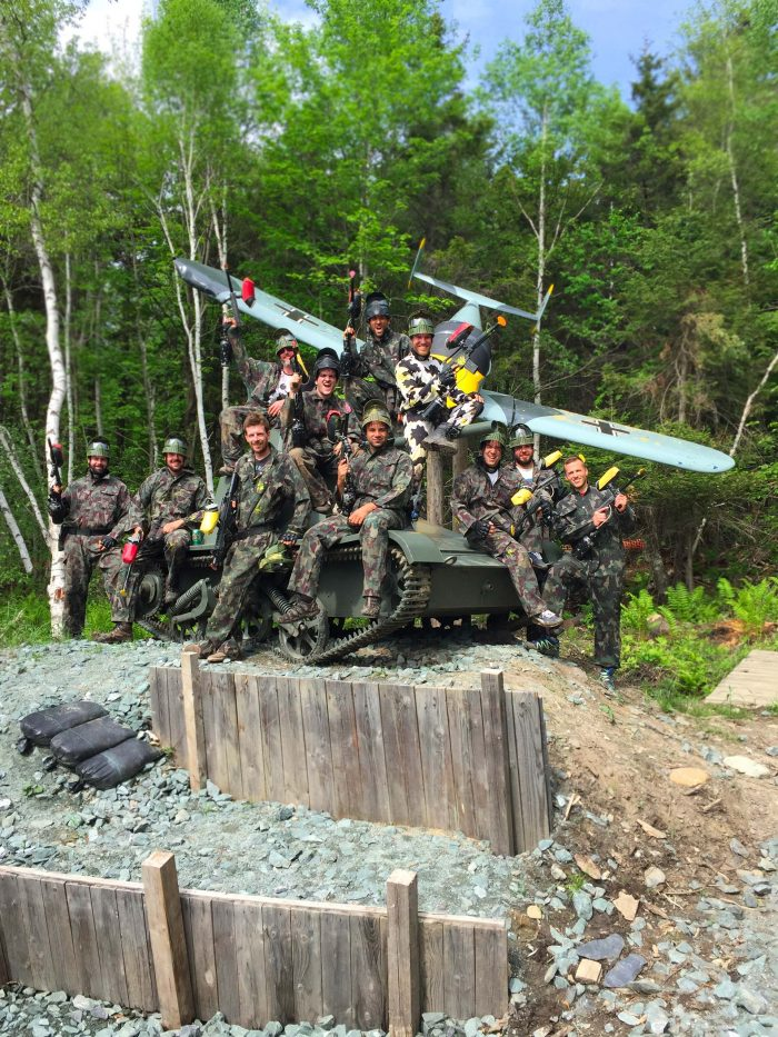 Photos de paintball - Groupe avec avion